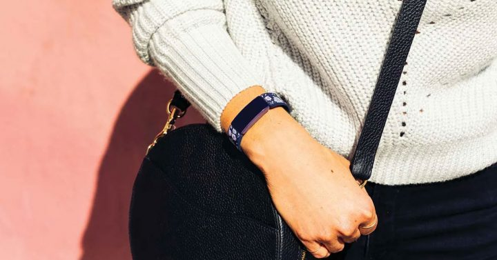 How to Wear a Fitness Tracker With a Watch